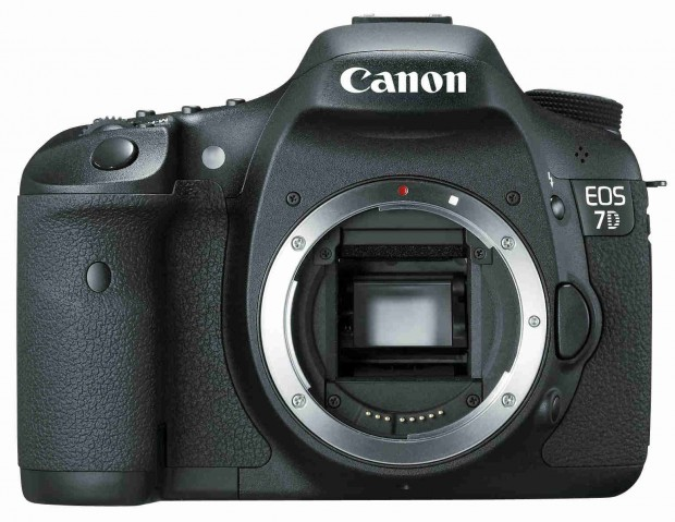 <del>Refurbished Canon EOS 7D for $839 !</del>