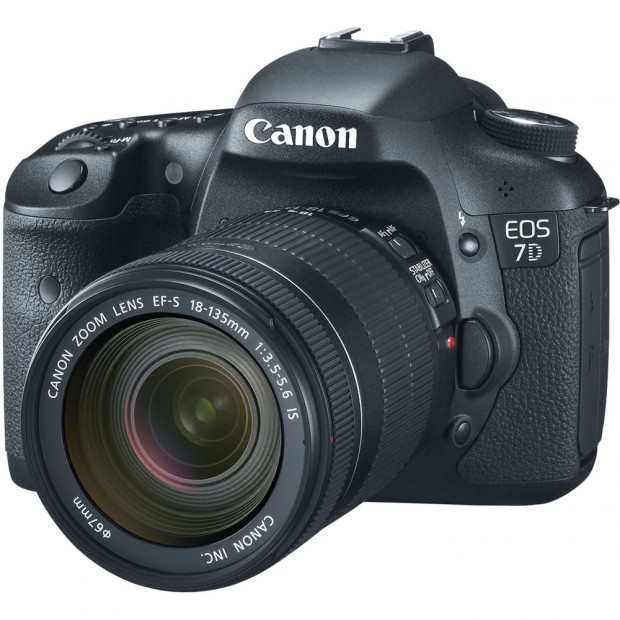 <del>Hot Deal &#8211; Refurbished Canon 7D for $719, w/ 28-135mm for $815, w/ 18-135mm for $863 !</del>